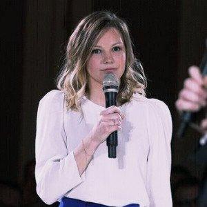 Charlotte Rivière - 銷售部門主管